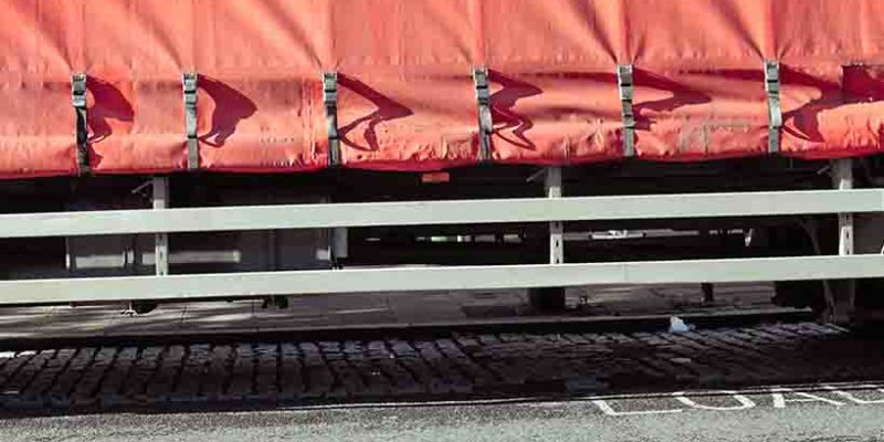 How to save lives (& avoid fines) by properly securing loads on curtain sided vehicles
