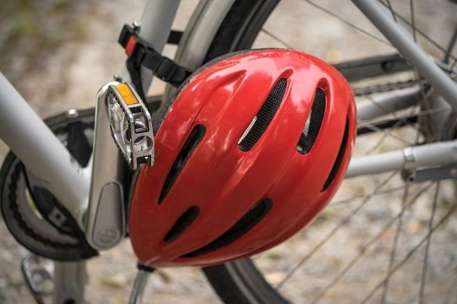 Bike helmet   Cycling safety tips