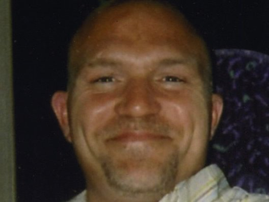 Father fell to death from Humber Bridge after being allowed to leave mental health facility alone