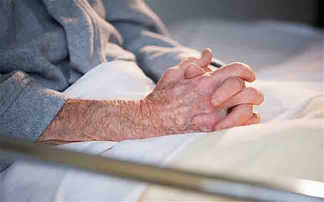 Many hospitals are failing elderly patients by not following procedures to prevent falls