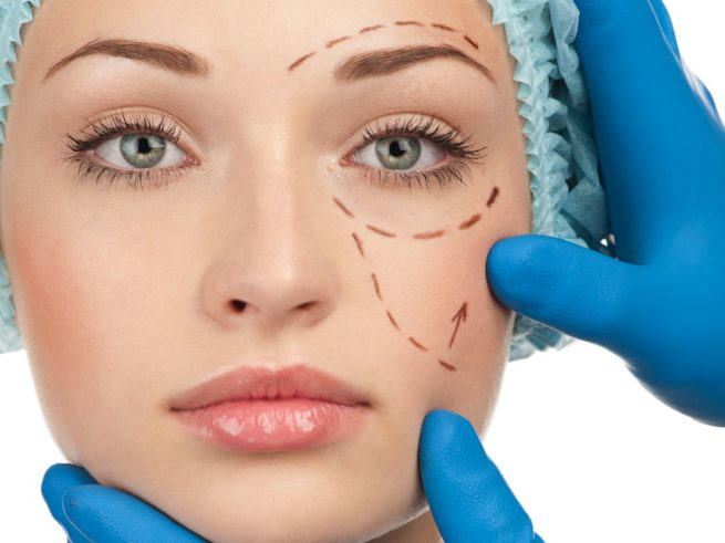 Cosmetic surgery claims, woman receiving plastic surgery diagnosis
